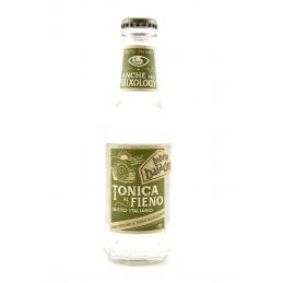 Tonic mit Heu Baladin Brauerei
