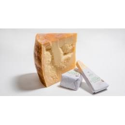 Gran Kinara stagionato 18 mesi Caseificio Fiandino ca. 500g Degust Affinatore di formaggio