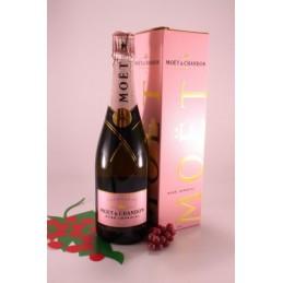 Champagne Moet & Chandon...